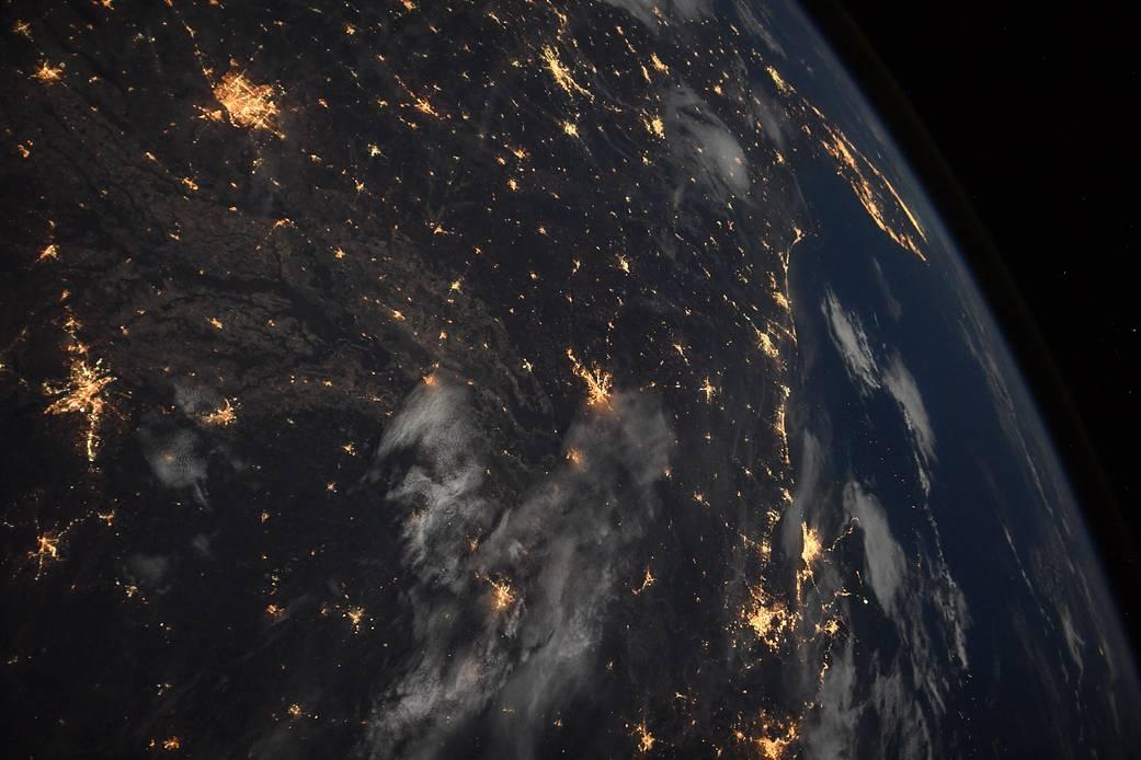宇宙から見た地球の夜景