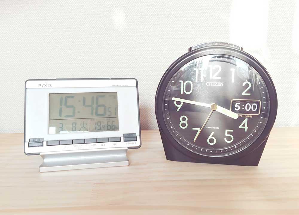 デジタル時計とアナログ時計
